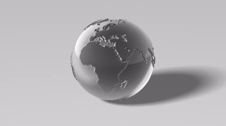 srebro : 3d rotating silver globe with real 3d geometry extruded continents (no bump texture). Seamless loop. Alpha channel. Wideo