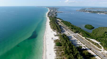tyrkysový : Aerial view of Anna Maria Island town and beaches, barrier island on Florida Gulf Coast. Manatee County. USA