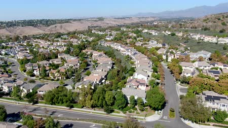 양산 : Aerial view of large-scale residential neighborhood with blue sky, Ladera Ranch, South Orange County, California