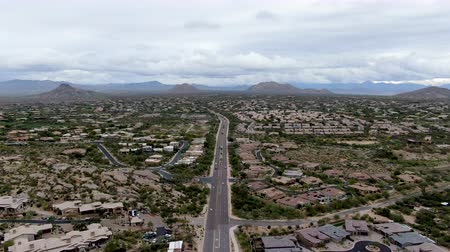 sudoeste : Aerial view of Scottsdale desert city in Arizona east of state capital Phoenix. Downtowns Old Town Scottsdale Vídeos