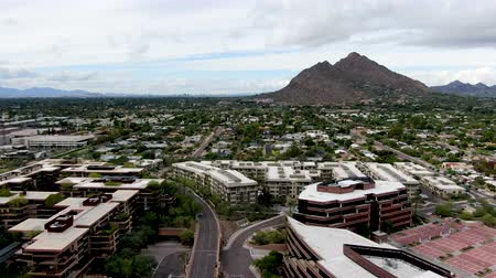 anka kuşu : Aerial view of Scottsdale desert city in Arizona east of state capital Phoenix. Downtowns Old Town Scottsdale Stok Video