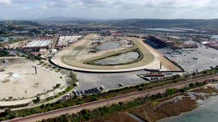 wyscigi : The Del Mar Racetrack. Horse racing questrian performance sport, San Deigo, California, USA