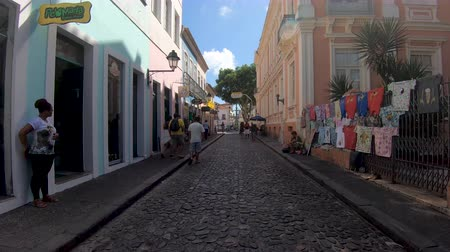 antiquado : Colorful colonial houses at the historic district of Pelourinho. The historic center of Salvador, Bahia, Brazil. Historic neighborhood famous attraction for tourist sightseeing. February, 22nd, 2019