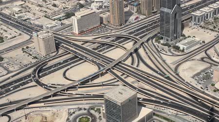 Объединенные Арабские Эмираты : city traffic of Dubai from the tallest building in the world, Burj Khalifa