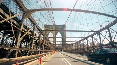 pomost : Brooklyn Bridge Driving Traffic 4K
