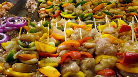 açougue : Chicken and Vegetables Brochettes 4K