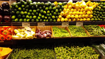 pimentas : Fresh vegetables and fruits at a farmers market 4K