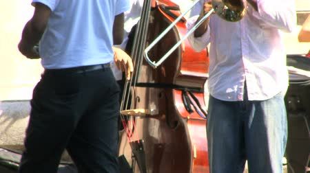 полоса : Jazz Band Playing live in the NYC Streets HD HD