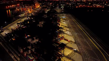 Aerial View Containers Cargo Ship at Night 4k Wideo