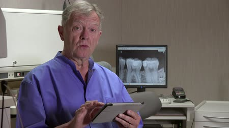 branquear : Dentist says tablet radiography