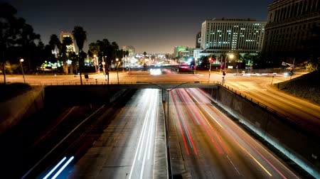 excesso de velocidade : Los Angeles highway headlight trails timelapse