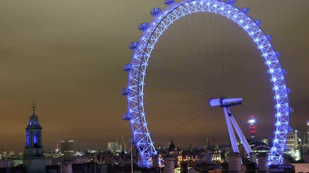 wielen : London Eye at night timelapse Stockvideo