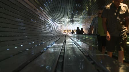 geniş açılı : Light Hall escalator Stok Video