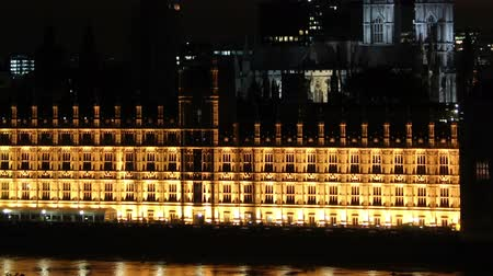 parlamento : parliament and big ben tilt up and zoom out Stok Video