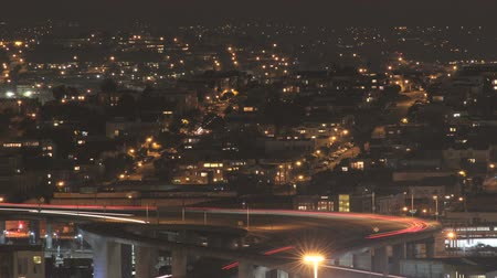 opstopping : Time-lapse nacht verkeerspatroon