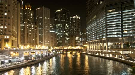 metropolitan area : Zoom out Chicago river night