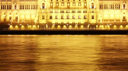 budapeste : River and Wharf Traffic Night Timelapse Budapest Hungary Parliament Building