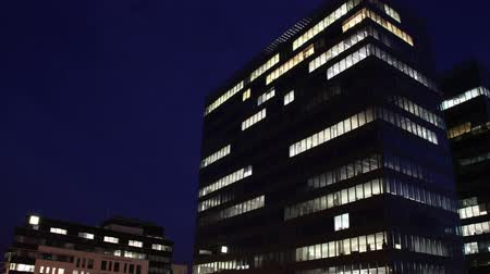 trabalho : Getting Dark Over Office Buildings Timelapse overwork