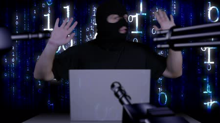 терроризм : Hacker Working Table Arrested