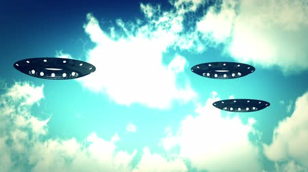 fincan tabağı : Ufo On Earth under Clouds Stok Video