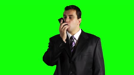 gritar : Young Businessman Cell Phone Getting Angry Greenscreen Vídeos