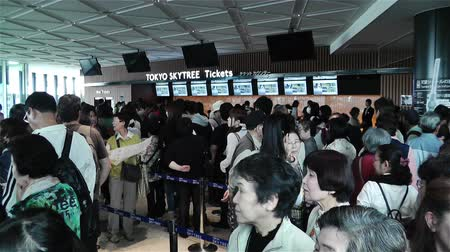kuyruk : Entrance Ticket Waiting Line Tokyo Skytree Japan - Tokyo Skytree is located in Tokyo Sumida district Japan.Its height is 634m  2080 ft.Tallest tower and second tallest structure in the World after Burj Khalifa