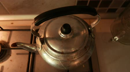 drink cans : 4K Old Retro Water Boiler 1