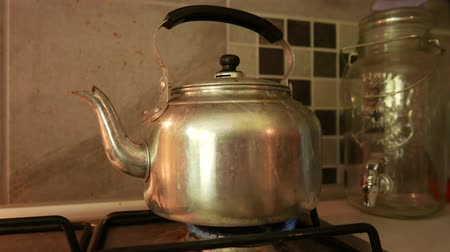 drink cans : 4K Old Retro Water Boiler 3