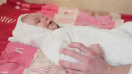 Happy baby on bed Stok Video