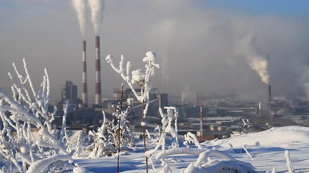 elektrownia : Industrial landscape with smokestacks pollute atmosphere