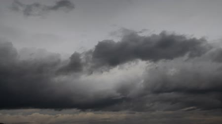 tormenta : Gris nube clouds.Motion.