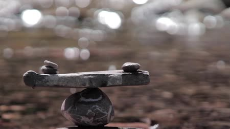 balanço : zen stone stack symbolic for balance Stock Footage