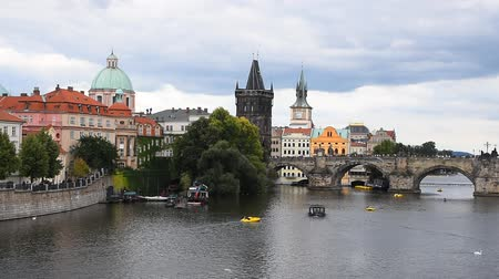 patrimonio : High angle panoramic view of Prague old town and Charles Bridge over Vltava river sunny day