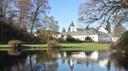 zamek : State castle Velke Losiny with park in the fall. (Czech Republic) Wideo