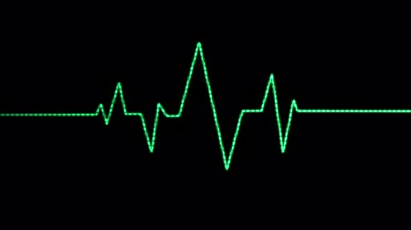 kardiyoloji : A loopable animation blip of a heart beat being displayed by a green Electrocardiogram (EKG or ECG).