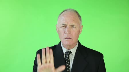 caucasiano : Senior caucasian business man green screen stop hand gesture Vídeos