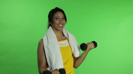 toalha : Sport woman isolated green screen exercising
