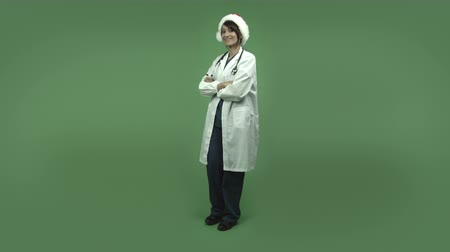 perícia : indian female doctor isolated on greenscreen chroma green background