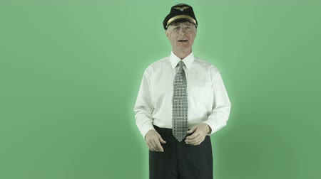 piloto : Senior caucasian man isolated on a green screen Vídeos
