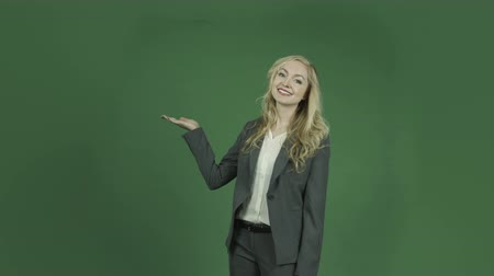 pont : caucasian business woman isolated on chroma green screen background