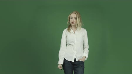 insan parmak : caucasian woman isolated on chroma green screen background