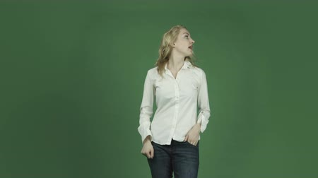 pont : caucasian woman isolated on chroma green screen background