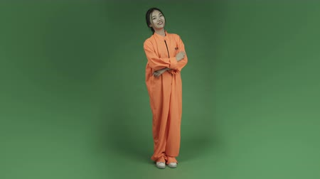 insan parmak : young asian adult woman prisoner isolated on green-screen background