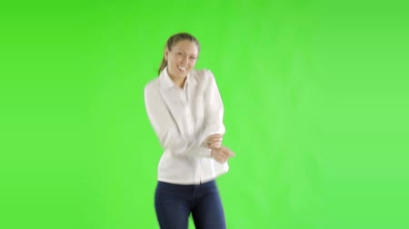 tancerze : caucasian woman greenscreen cut out business casual happy dance Wideo