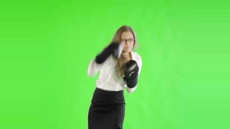 boksör : caucasian woman greenscreen cut out business boxer