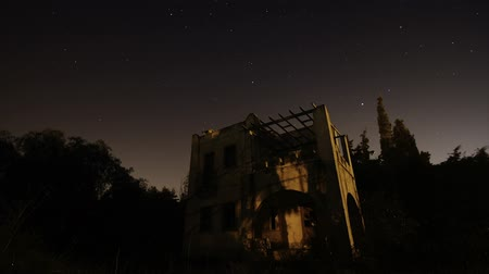 perseids : Starry night under the abandoned house