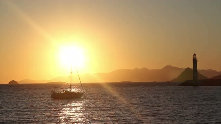 jelenség : Seaside town of Turgutreis and spectacular sunsets