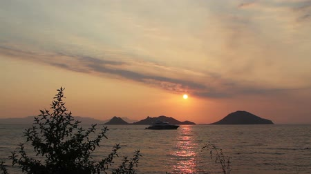 exotisme : Seaside town of Turgutreis and spectacular sunsets