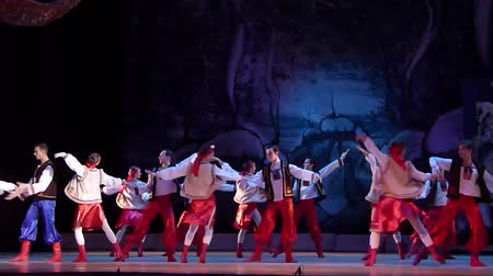 theatre : DNiPRO, Oekraïne - 7 januari 2018: Night before Christmas ballet uitgevoerd door Dnepropetrovsk Opera en Ballet Theater ballet. Stockvideo