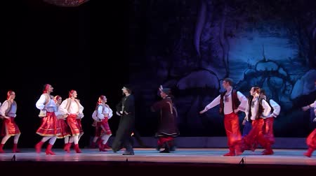 beeldje : DNiPRO, Oekraïne - 7 januari 2018: Night before Christmas ballet uitgevoerd door Dnepropetrovsk Opera en Ballet Theater ballet. Stockvideo